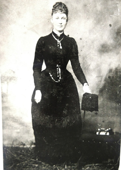 Annie Maddison Around 1900  Married to John Madison of Rocky Hill Station, Kentucky